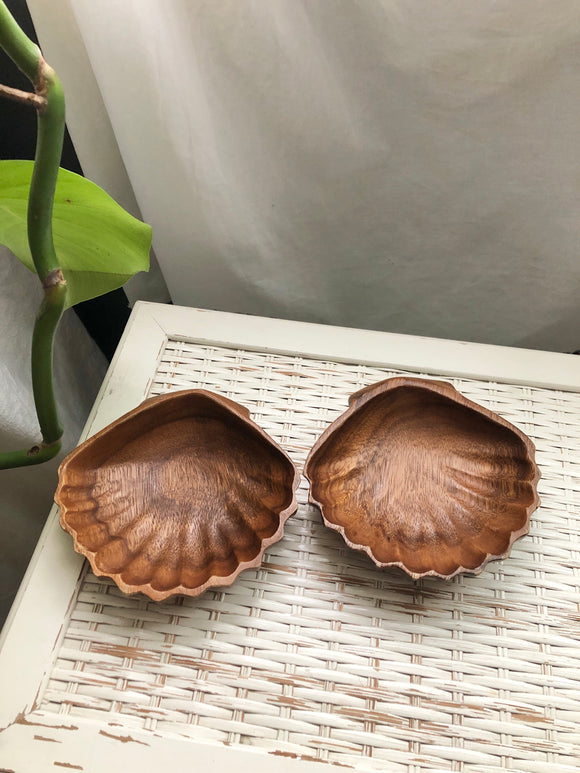 Vintage wood shells - two piece