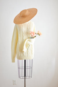 Vintage cream chunky sweater-Large