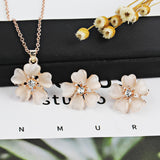 Women's Flowers Pendant Necklace
