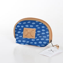 Load image into Gallery viewer, Make Up Bag Laminated Fabric