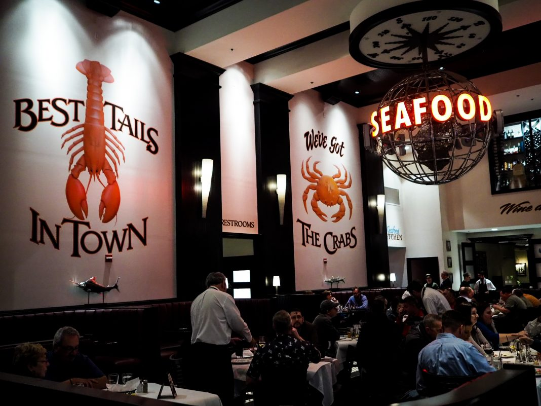 Big Fin Seafood Kitchen Celebrates 10 Years – and Renews Lease at Dellagio Town Center On Restaurant Row for another 10 Years