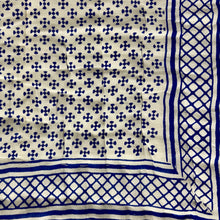 Load image into Gallery viewer, Hand Block Printed Quilt - Choti Paisley