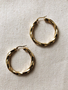 Loose Twist Hoop