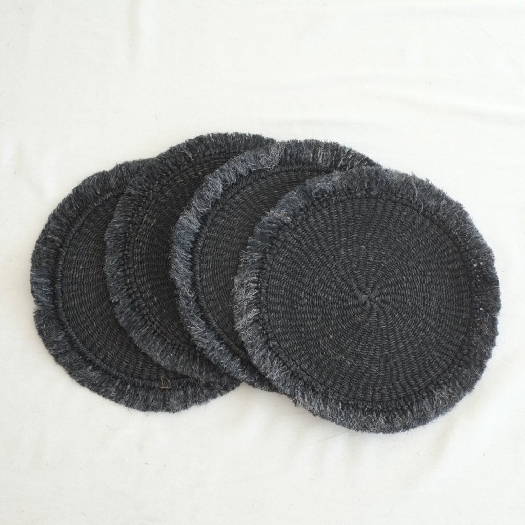 Abaca Fringed Placemat (Set of 4) - Black