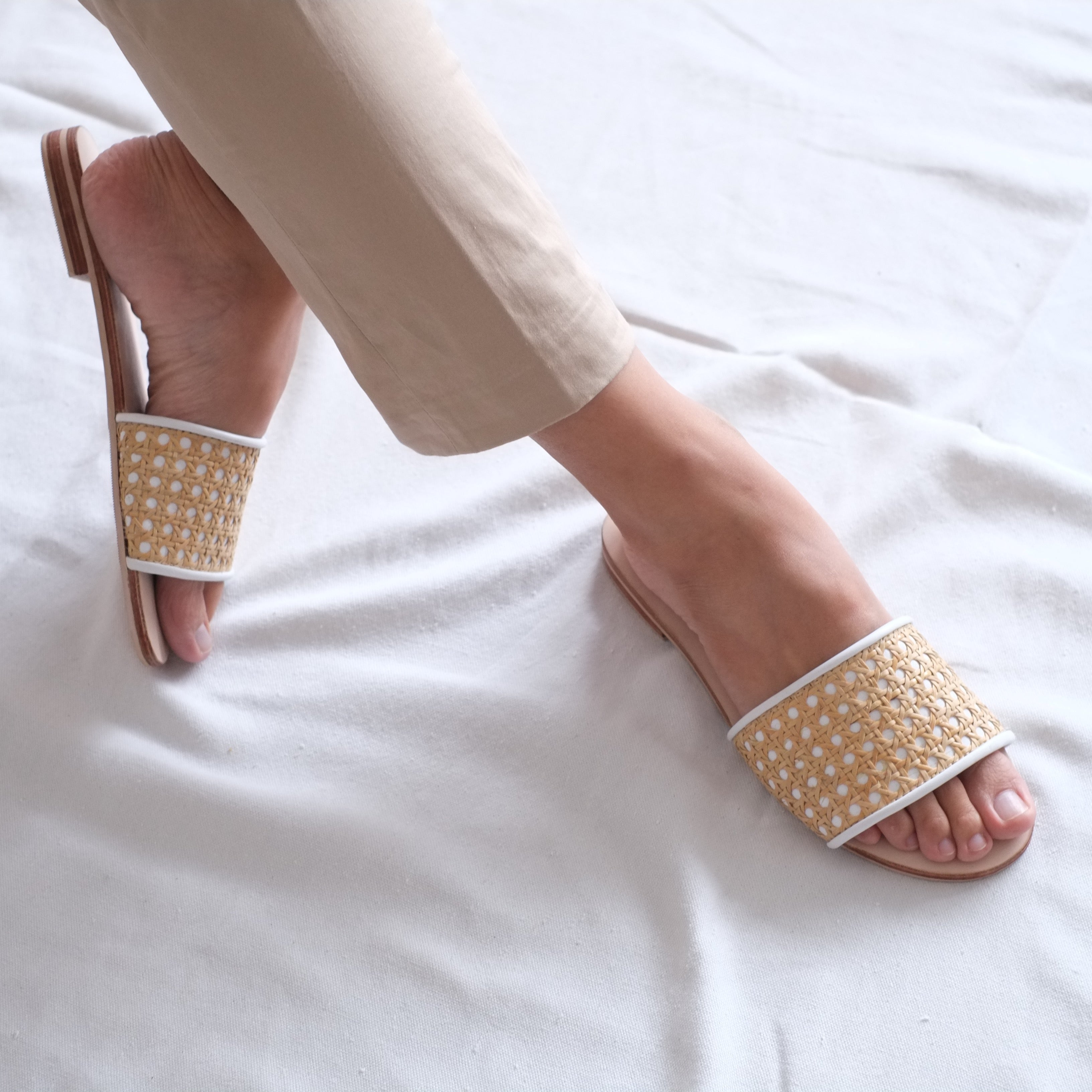 Tala Slide - White