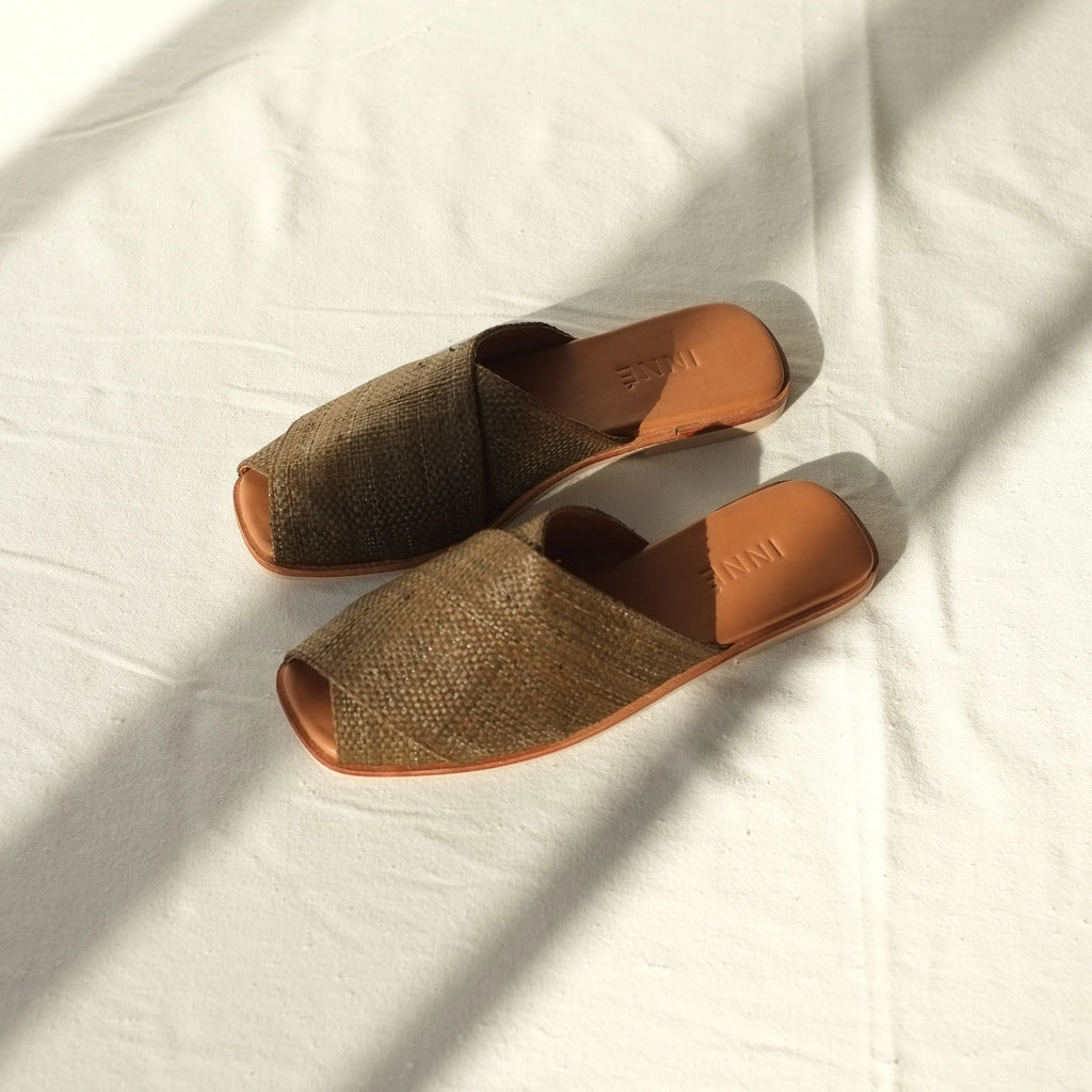 Kara Wide Cross-Strap Slide - Cocoa