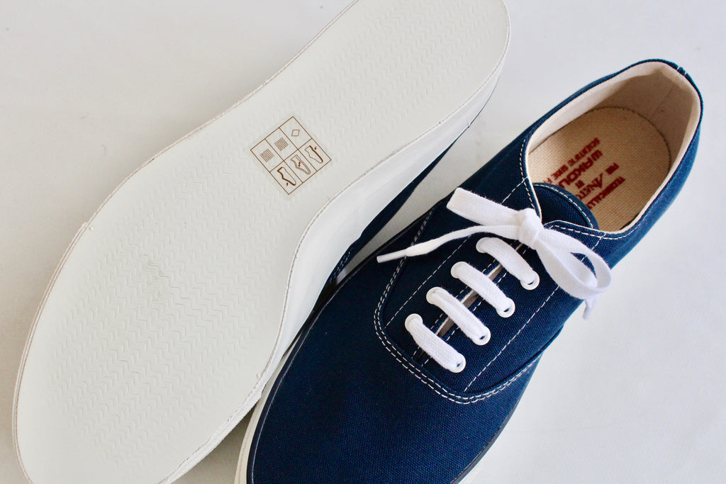 WAKOUWA DECK SHOES LOW WHITE SOLE<br>NAVY - ref.
