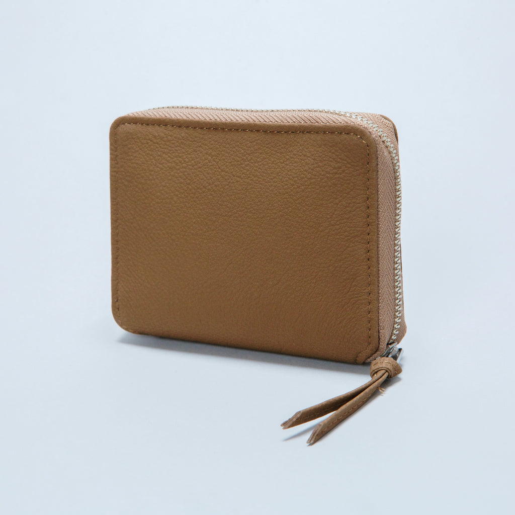 BUBBLE CALF ROUND PALM WALLET / L002