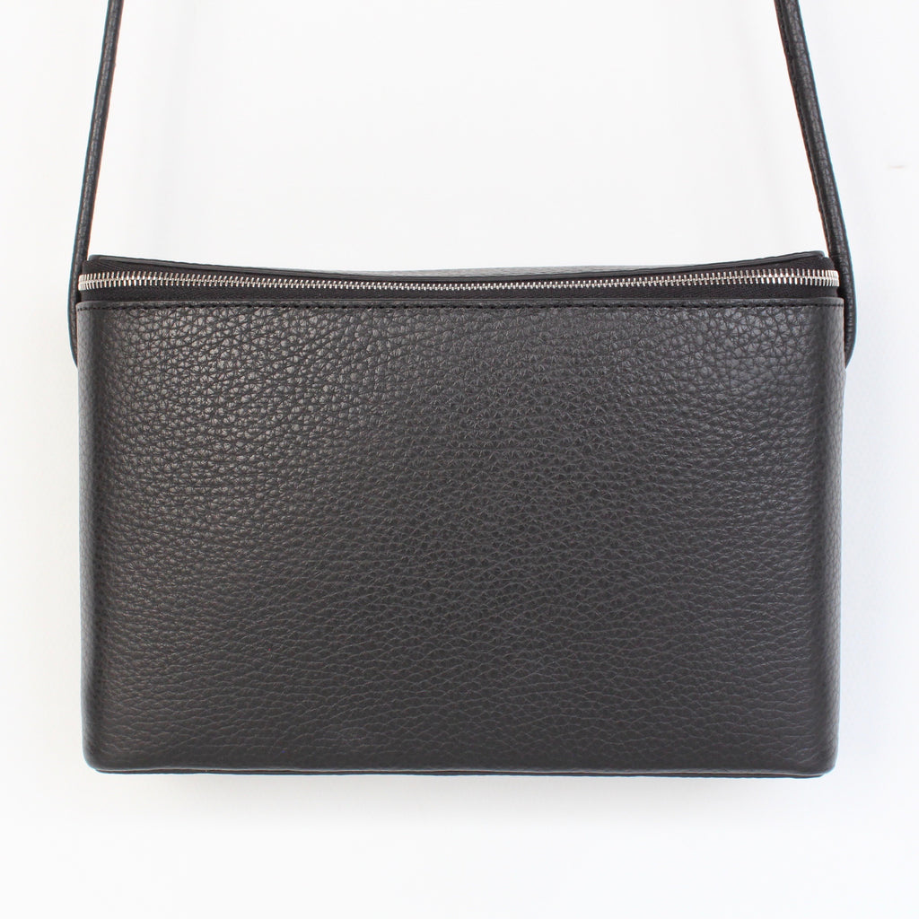 PG25 / PG LEATHER BOX SHOULDER : M