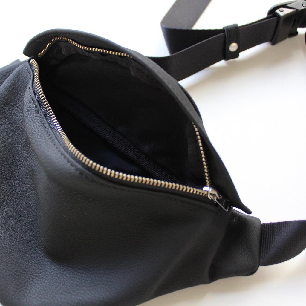 R003 / BUBBLE CALF MINI WAIST BAG