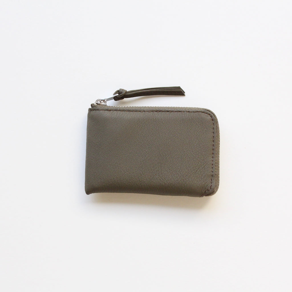 BUBBLE CALF ZIPPED CARD CASE / L017