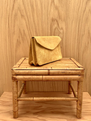 RTH ACCORDION CLUTCH - NATURAL - ROUGHOUT