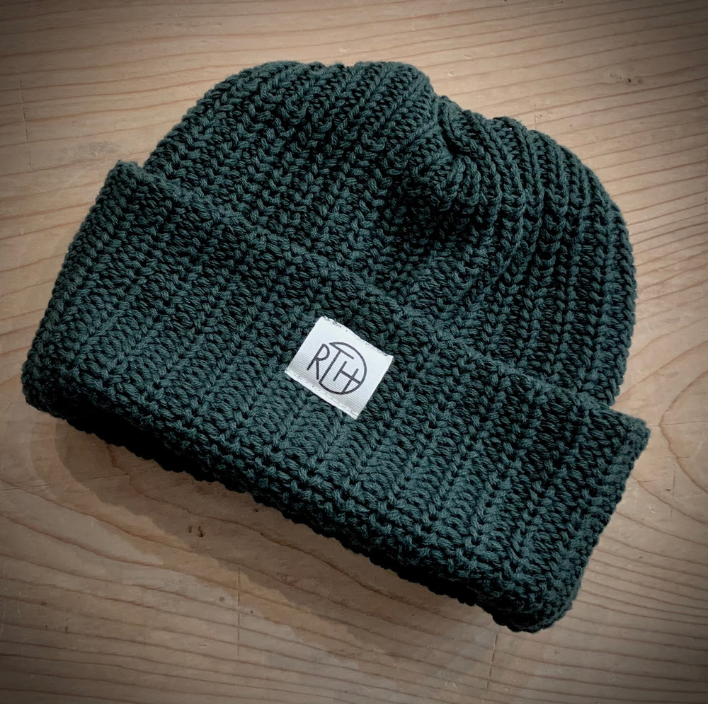 RTH BEANIE- Hunter green