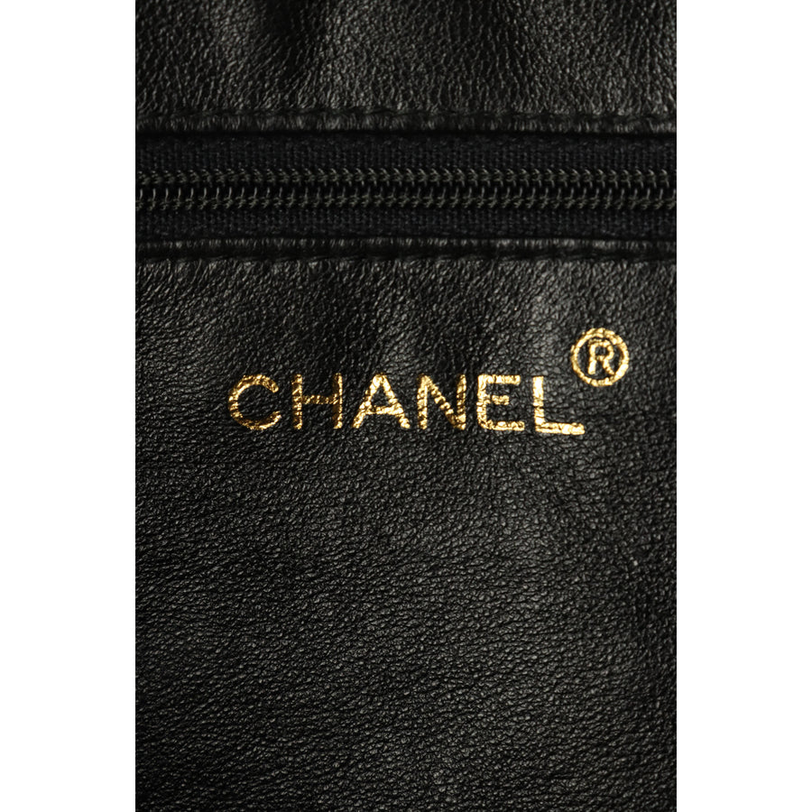 CHANEL/Cross Body Bag/leather/BLK/Matelasse