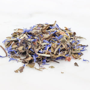 Fruity Loose leaf White tea with blackberry leaves