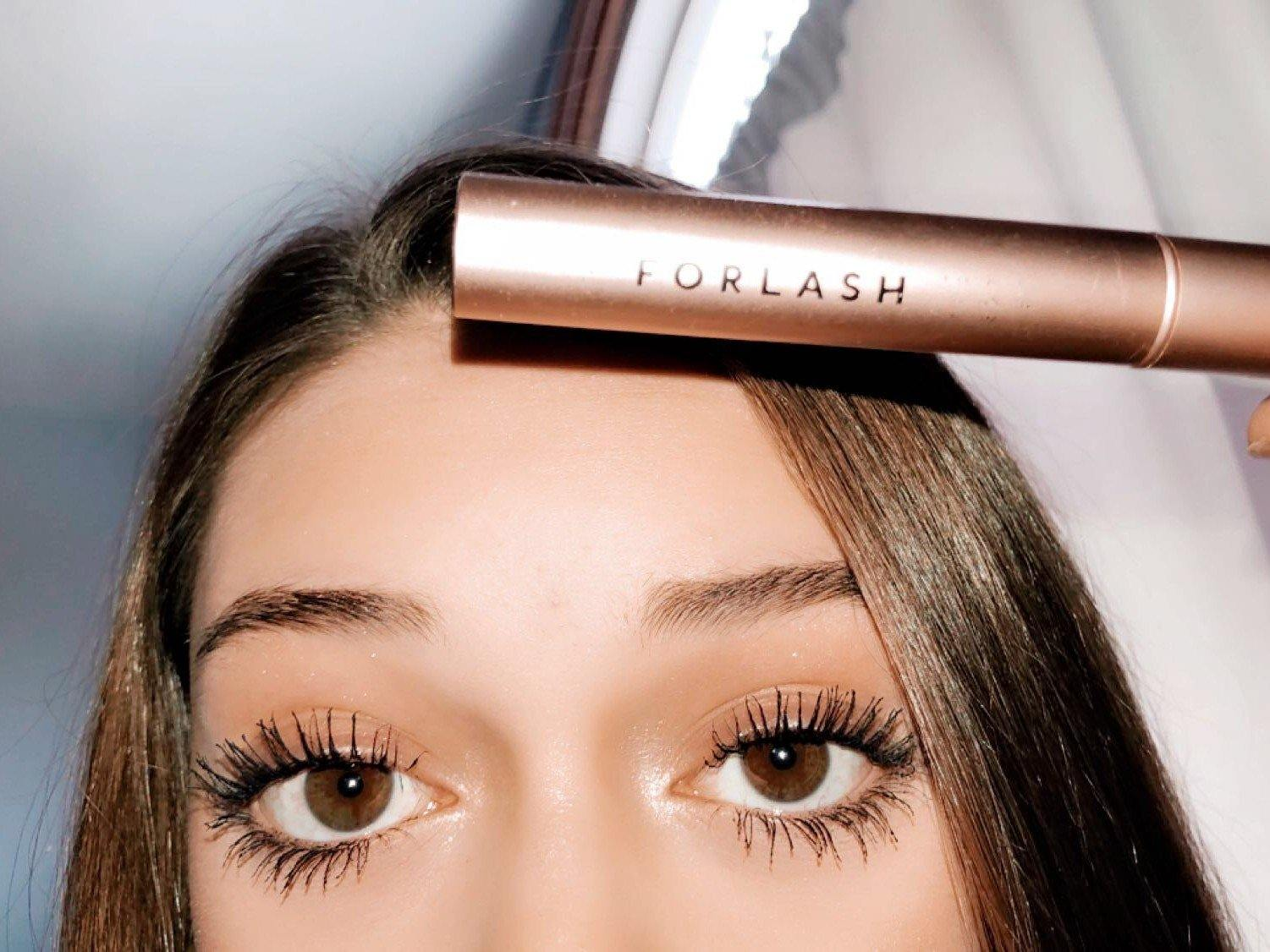 Eyelash Growth Serum vs. Eyelash Extensions - ForChics