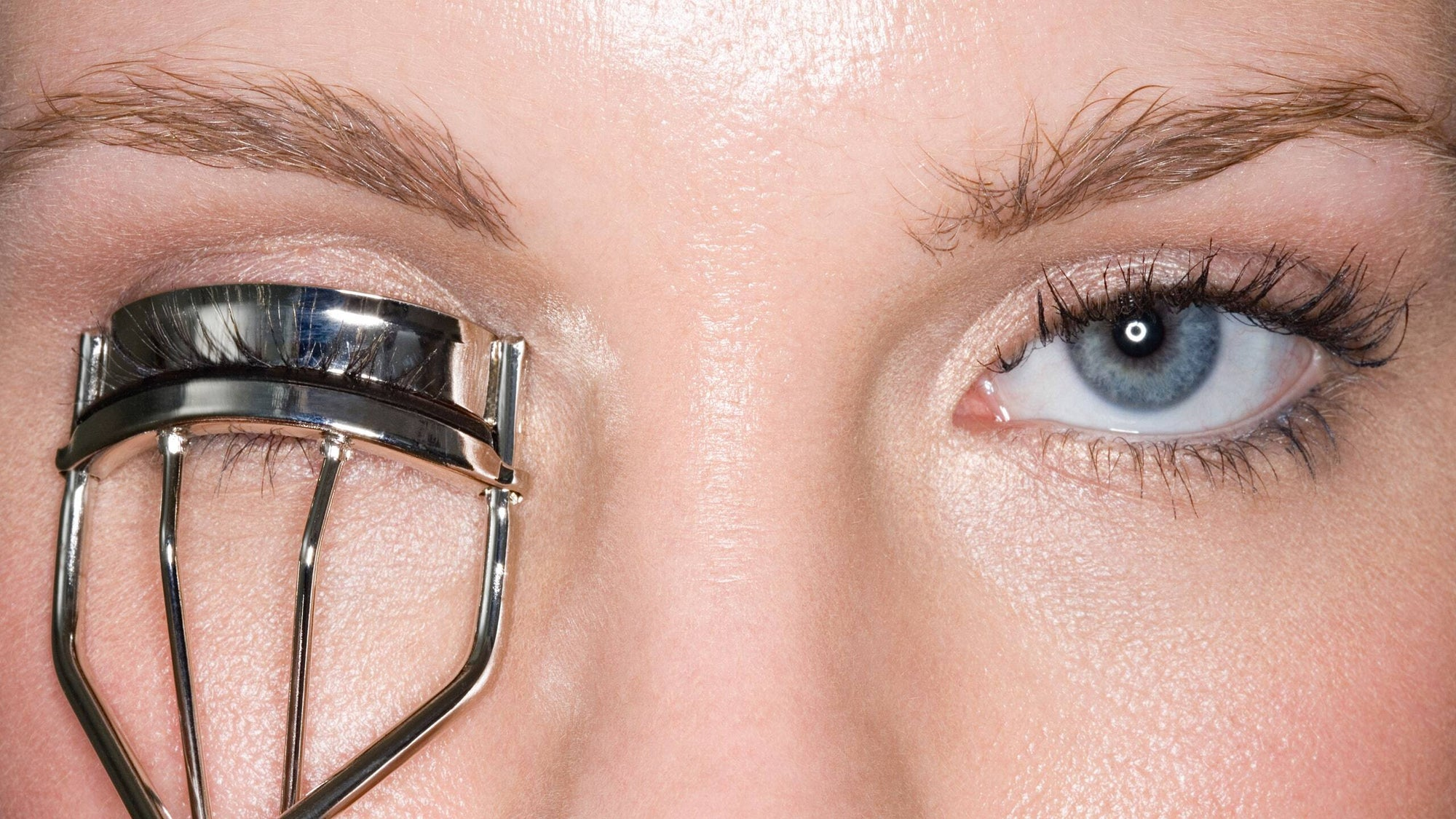 10 Eyelash Do's and Don'ts for Healthy Lashes