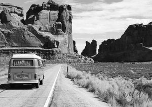 Travelling Kombi A1 (59.4Cm X 84.1Cm) / Black & White Photographic