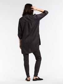 Long linen blouse with eyelets - Almost Black