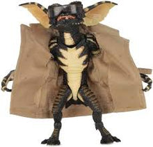 Load image into Gallery viewer, Gremlins: Ultimate Flasher Gremlin Neca Figure
