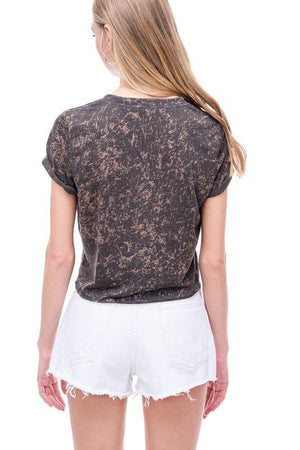 Brown kiss cropped graphic  tshirt