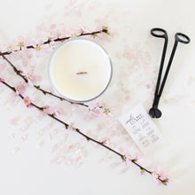 Load image into Gallery viewer, Eartha candle surrounded by rose quartz.