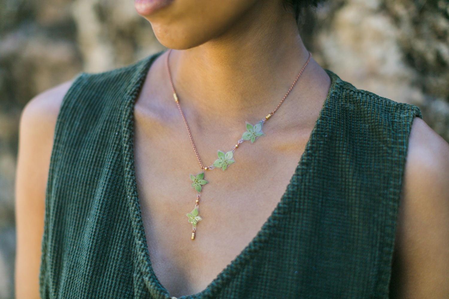 Green Bupleurum Flower Asymmetrical Beaded Necklace