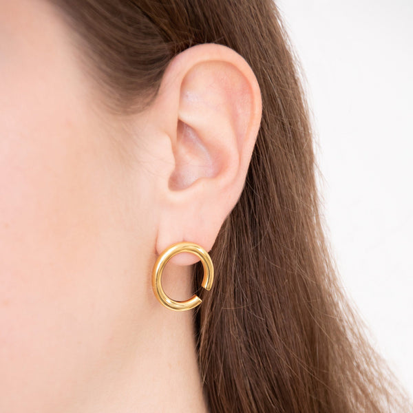 Bold Revolve Ohrringe - Solid Gold Jewelry stilnest