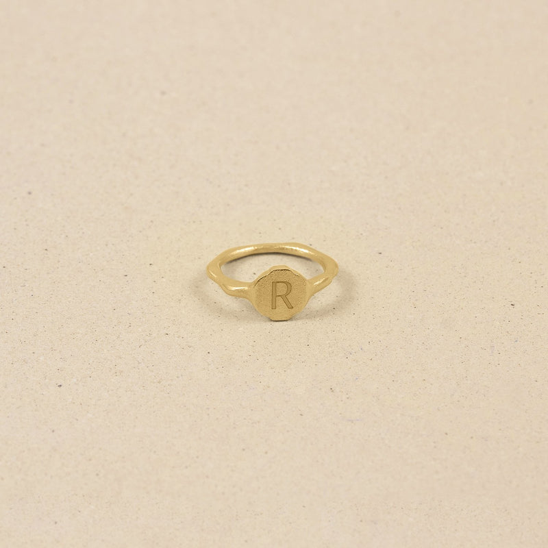 Fluid Letter Ring 14k Massivgold