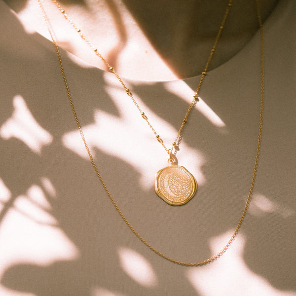 Moon Large Seal Anhänger - Solid Gold Jewelry stilnest