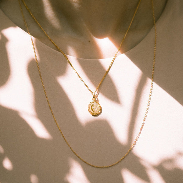 Moon Seal Kette Jewelry stilnest