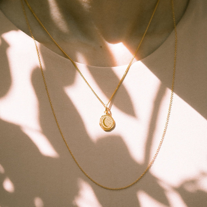 Moon Seal Kette - Solid Gold Jewelry stilnest