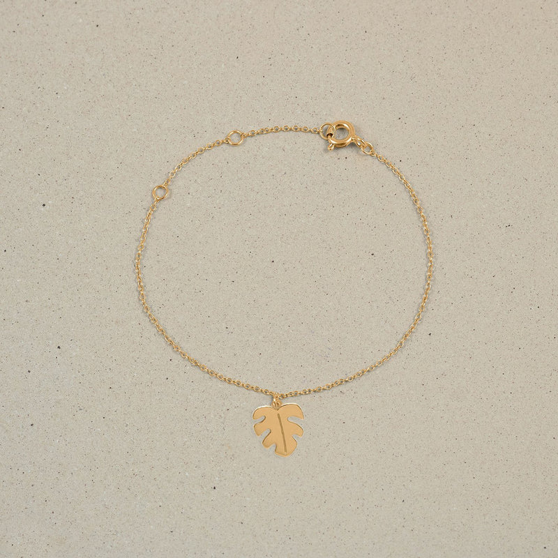 Petite Monstera Charm Bracelet Jewelry Stilnest 24ct Gold Vermeil 19cm