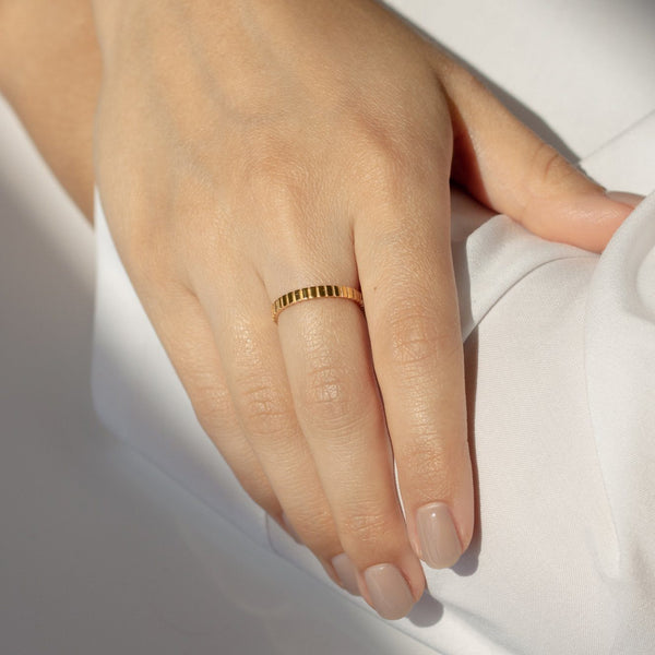 Ridged Ring - Solid Gold Jewelry Stilnest