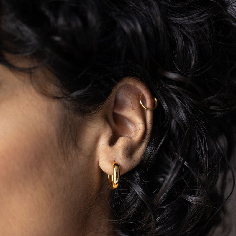 Simple Ear Cuff - Solid Gold Jewelry stilnest