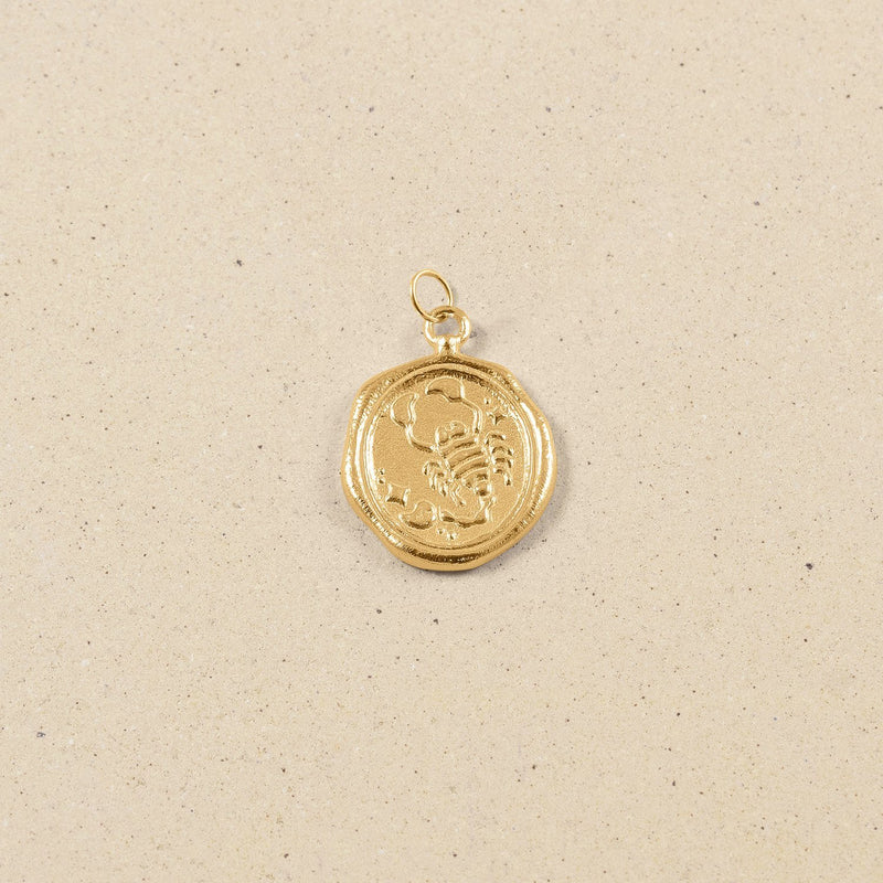 Zodiac Seal Anhänger 24k Gold Vermeil Jewelry stilnest Skorpion