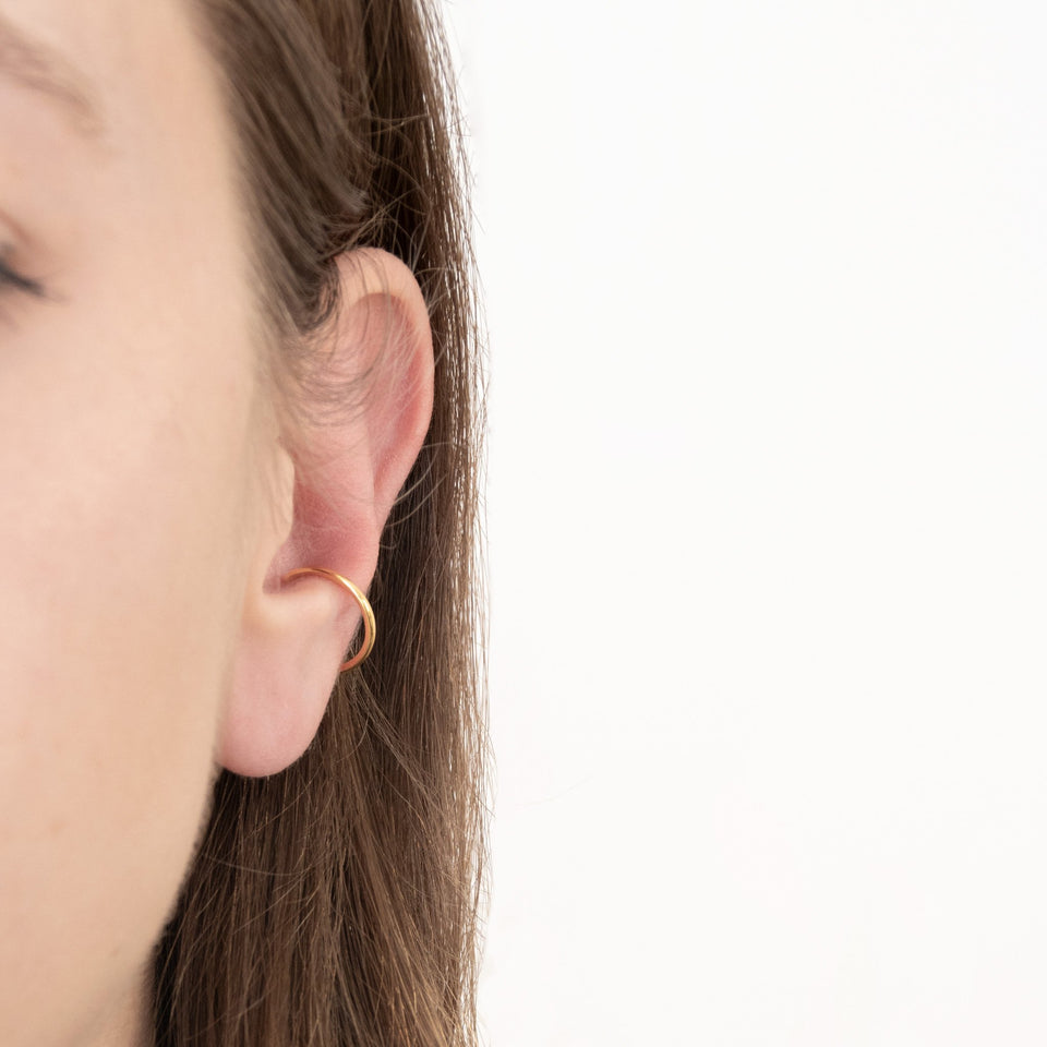 Simple Ear Cuff - Solid Gold
