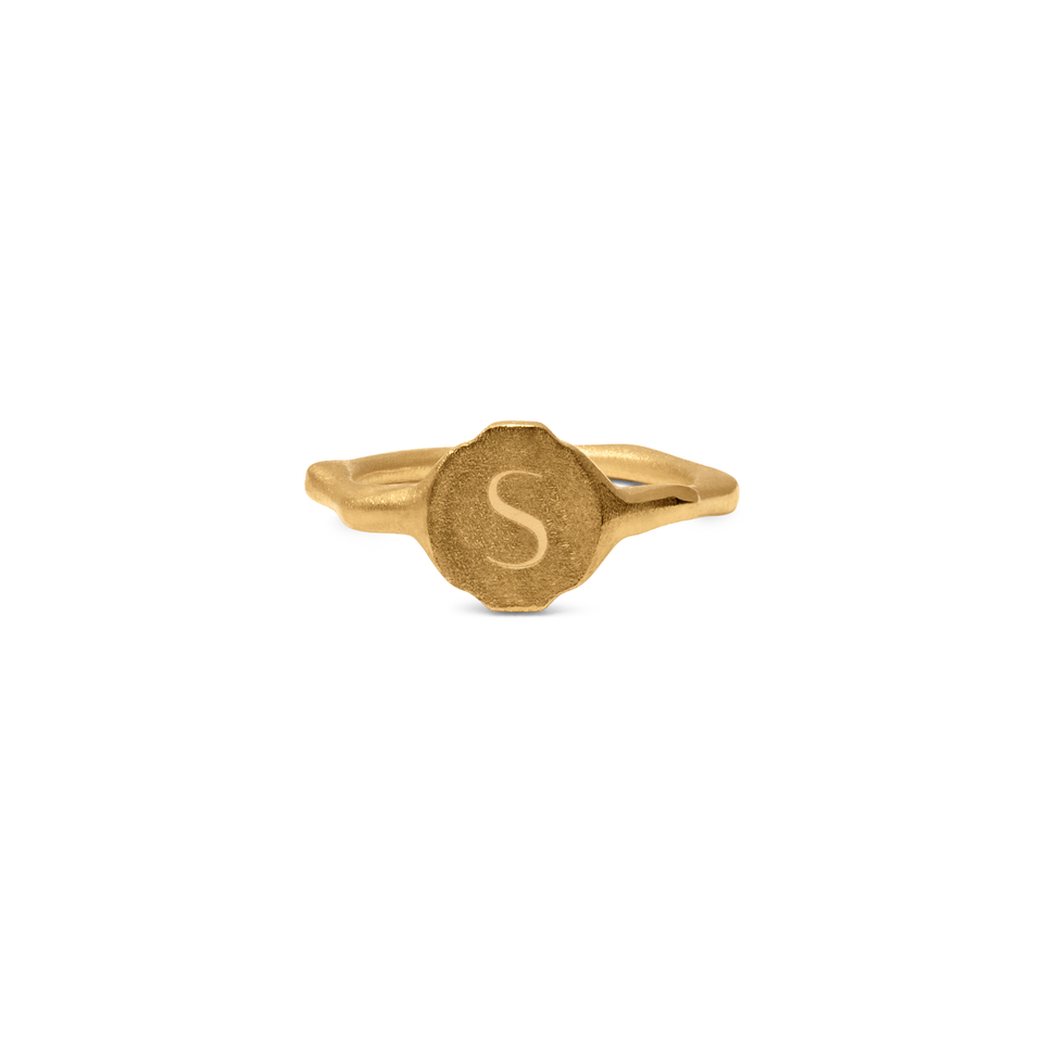 Fluid Letter Pinky Ring
