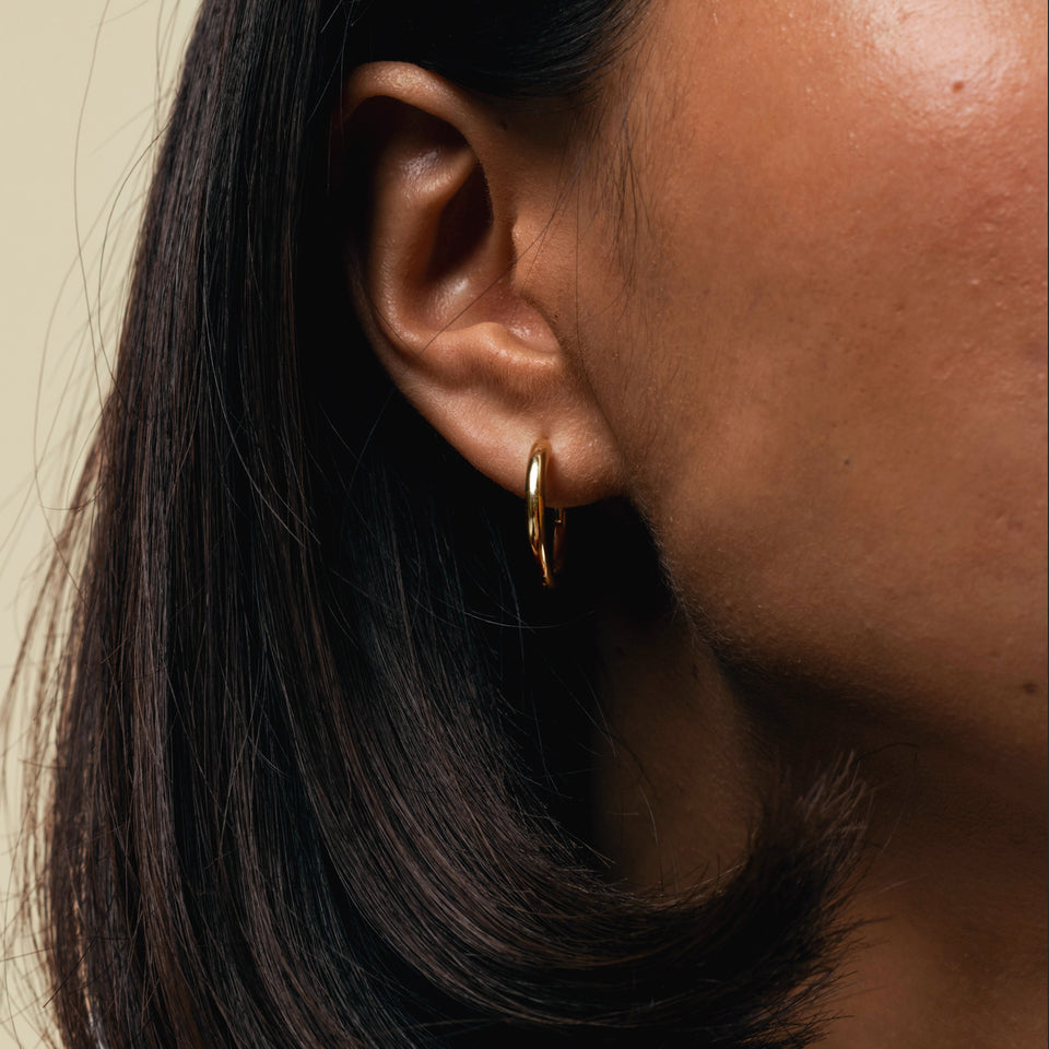 Gold Bold Hoop Earrings Stilnest