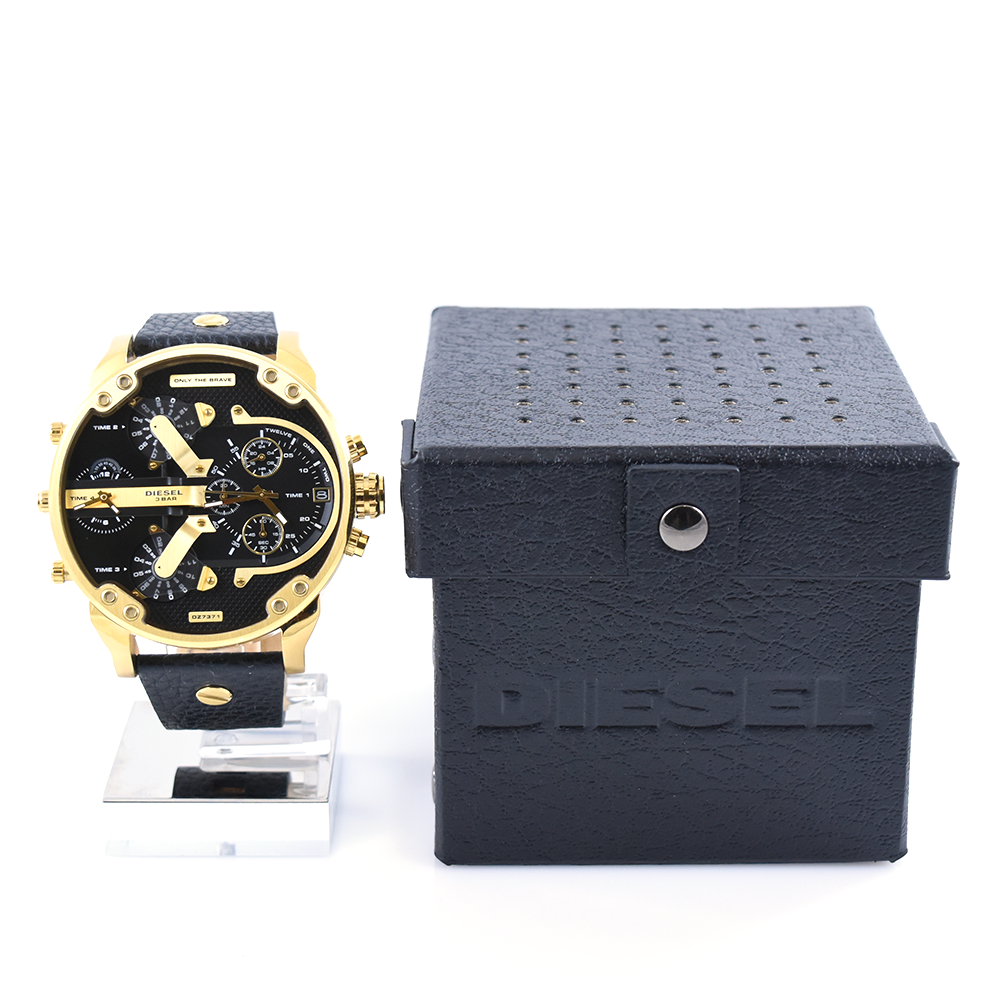 Diesel Mr. Daddy 2.0 DZ7371 Black and Gold Men's Chronograph Leather Watch