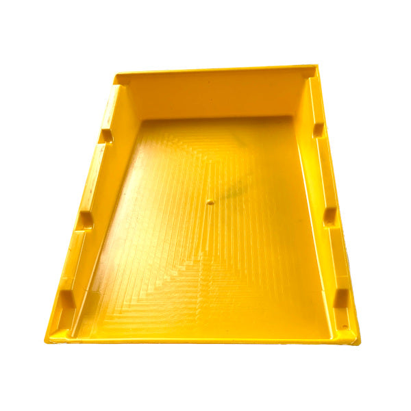 Cimuka Yellow 1 section manure tray - Hatching Time