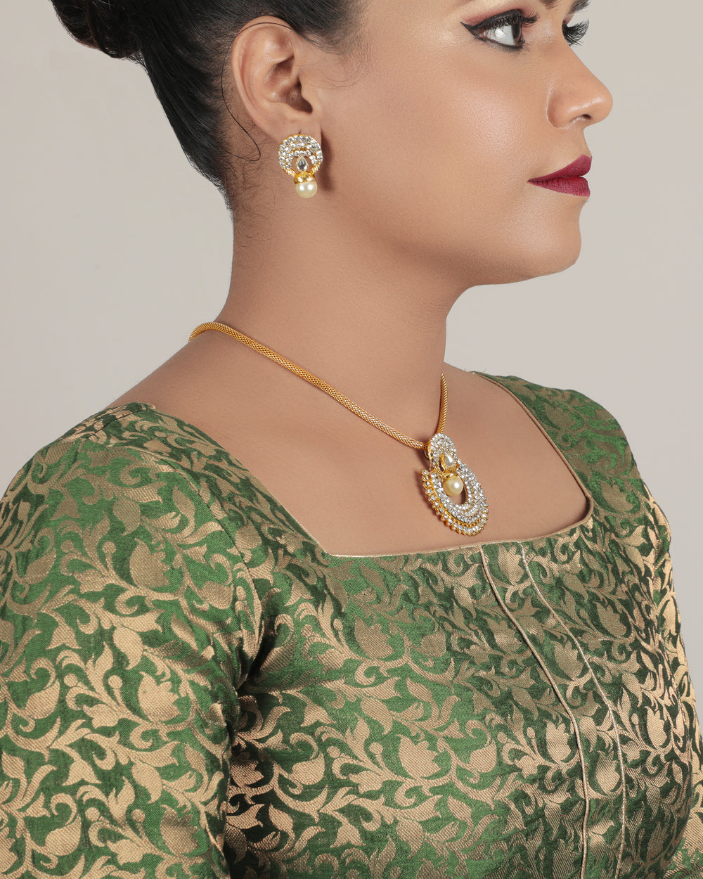 Gold-Plated  Enamelled Jewellery Set