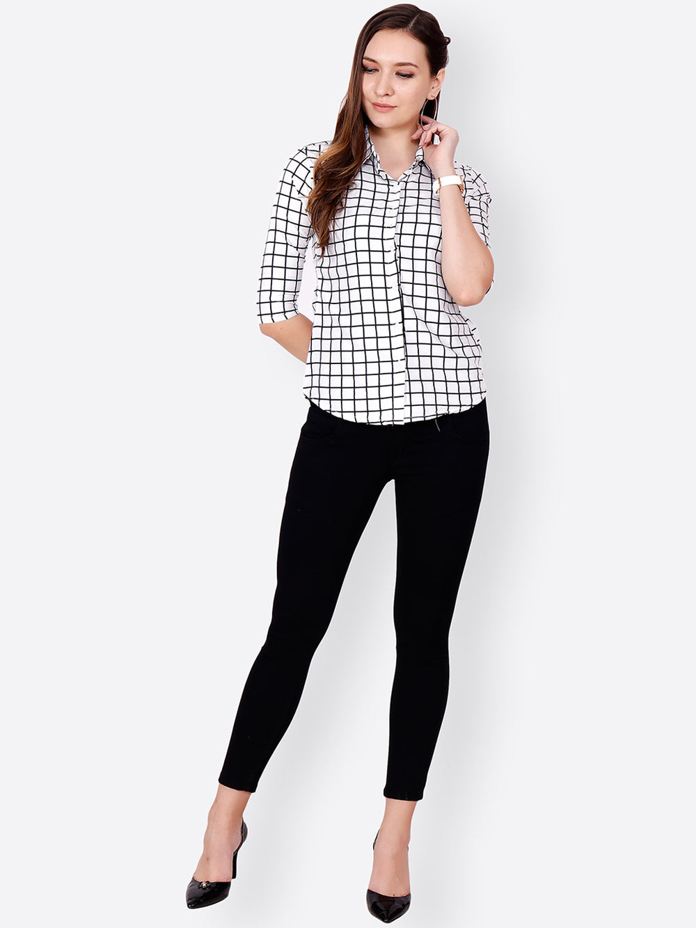 SCORPIUS Women White & Black Regular Fit Checked Casual Shirt