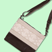 Cross-Body Bag in Brown Leather with White Stripe.