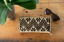 Handcrafted  Wallet embroidery with Zigzag in Brown Color