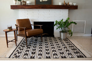 Arrows black and white Mexican rug