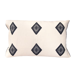 black and white cotton pillow made on loom in Chiapas, Mexico