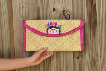 Palm woven clutch bag embroidered with sequin, doll