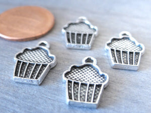 12 pc Cupcake charm, muffin charm, muffin , charm. Alloy charm , very high quality.Perfect for jewery making and other DIY projects