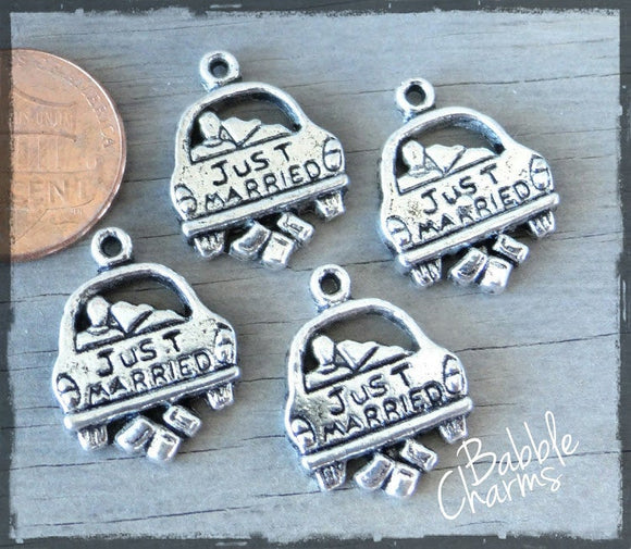 Just married, just married charm. Alloy charm ,very high quality.Perfect for jewery making and other DIY projects